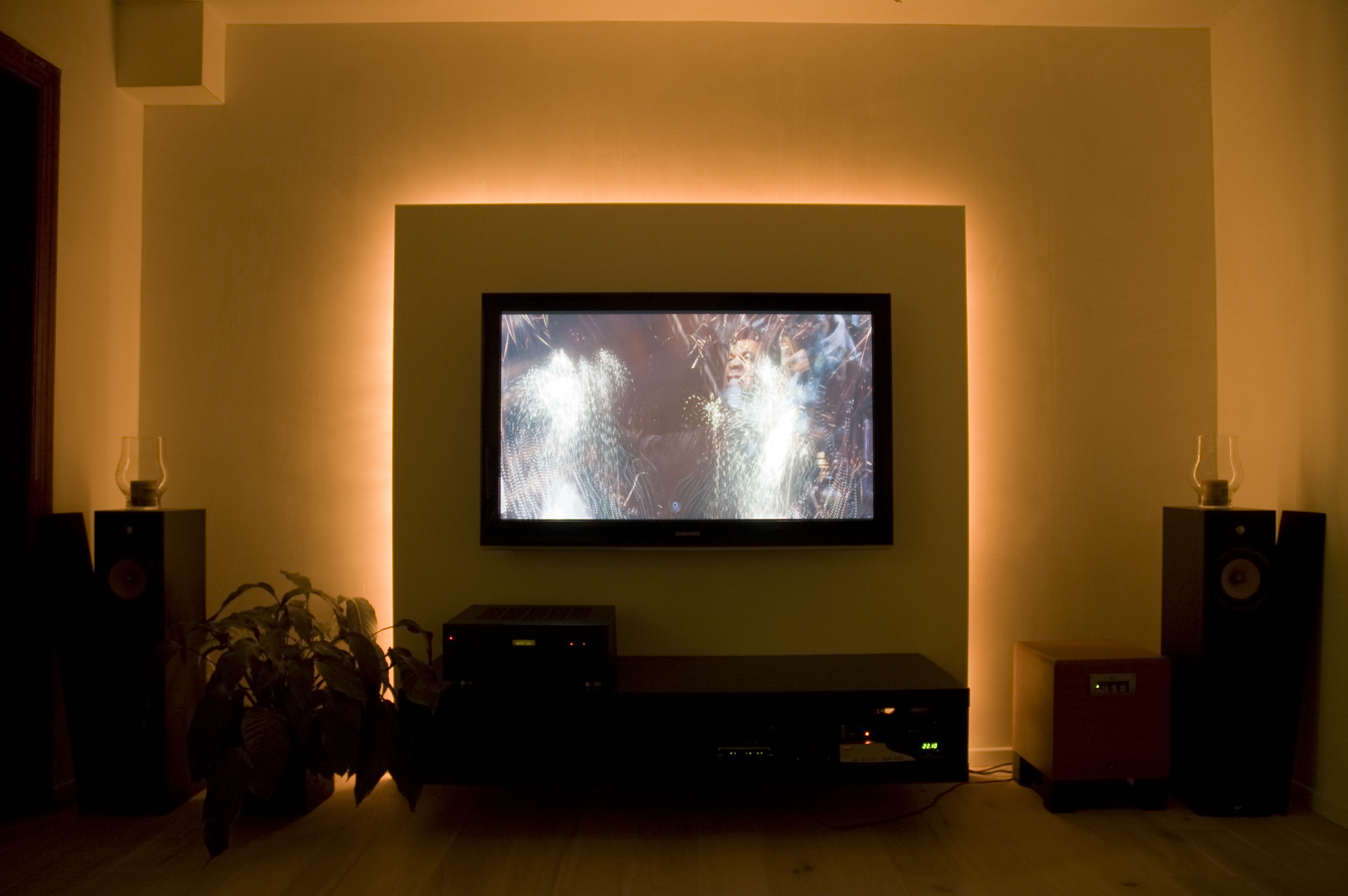 Lamp Achter Tv. Elegant More Than Million Samsung Tvs Plagued By ...